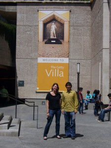 Carrie Dedon ('10) and Caleb Zuniga ('10) at entrance to Getty Villa
